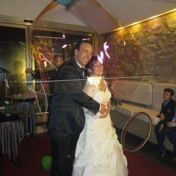 Sposi avvolti da una bolla gigante